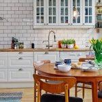 Цветотерапия на кухне: как управлять настроением с помощью разных оттенков