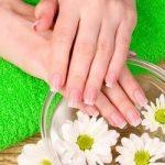 8 натуральных средств, которые помогут осветлить кожу рук