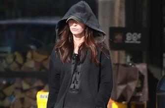 Уличный стиль знаменитости: Меган Фокс делает покупки в Малибу