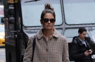 Кэти Холмс в пальто Stella McCartney на шопинге в Нью-Йорке