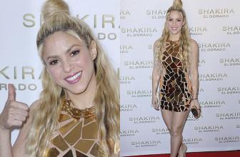 Шакира в платье из золотых пластин на презентации своего нового альбома El Dorado