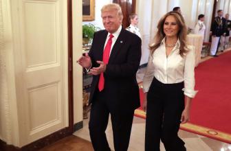 Дональд и Мелания Трамп устроили прием в Белом доме по случаю празднования Дня матери