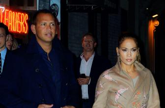 Дженнифер Лопес в бежевом пальто и Алекс Родригес сходили на ужин в Нью-Йорке